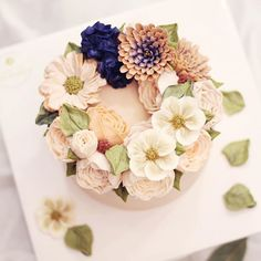로맨틱  #flowercake #buttercream #wiltoncake #buttercreamcake #wilton #am1122cake #florist #buttercreamflowercake #foodporn #specialcake #butter #鲜花蛋糕 #フラワーケーキ#カップケーキ #koreanflowercake #cake #wedding #instacake #버터크림 #플라워케이크 #꽃케이크 #플라워케익 #환갑케이크 #생신케이크 #플라워케이크클래스 #버터크림케이크 #생일케이크 #결혼기념일 _ www.am1122cake.com pandasm1122@naver.com✔️