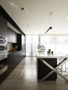 love this kitchen - can see it in my kitchen space . Winner of Residential: Greg Natale Design, Brighton House in Melbourne. Australian Interior Design, Interior Design Awards, Interior Design Kitchen, Kitchen Decor, Kitchen Ideas, Kitchen Designs, Lofts, Brighton Houses, Beautiful Kitchens