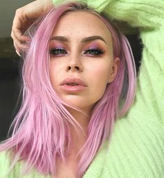 FADED = Gorgeous AF | @maureennaudts is giving us life with this faded Virgin Pink shade! Bright Pink Hair, Hair Color Pink, Hair Dye Colors, Purple Hair, Pink Hair Tips, Rainbow Hairstyles, Hair Levels, Semi Permanent Hair Dye, Arctic Fox Hair Color