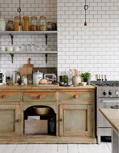 Inside+the+Country-Chic+Home+of+a+Photographer+via+@domainehome