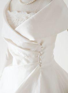 Pin on my wedding Pin on my wedding Dream Wedding Dresses, Bridal Dresses, Prom Dresses, Pretty Dresses, Beautiful Dresses, Grey Prom Dress, 18th Century Clothing, Vintage Princess, Vintage Gowns