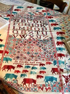 Physique, Bohemian Rug, Blog, Quilts, Blanket, Rugs, Home Decor, Cows, Embroidery
