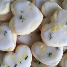 Lemon-Sage Cookies (no recipe) I Love Food, Good Food, Yummy Food, Enjoy Your Meal, Frog Cakes, Cute Desserts, Cafe Food, Aesthetic Food, Food Cravings