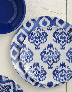 The exotic, bright colours of this Ikat print make it easy to mix and match. We love its casual, boho feel. Outdoor Dinnerware, Dinnerware Sets, White Dish Set, Blue And White Dinnerware, Blue Dishes, Leather Sectional Sofas, Living Room Accents, Blue And White China, China Patterns