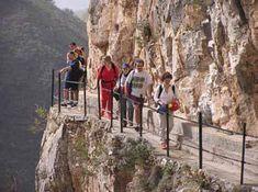 Cañón de Almanchares en Canillas del Aceituno (Málaga) Emplazamiento perfecto para la práctica de los deportes en la naturaleza. Foto: © APTA Axarquía  http://revista.destinosur.com/contenidos57.php#costasol www.visitacostadelsol.com