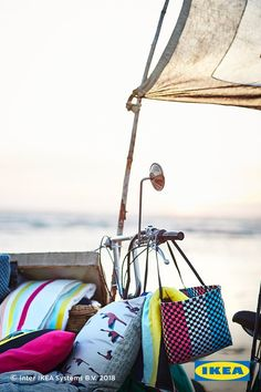 The IKEA SOMMAR 2018 collection of comfy outdoor furniture, solar-powered lighting, vibrant fabrics and fresh accessories invites you to slow down and capture each moment of your summer staycation.