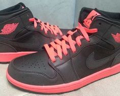 "Air Jordan 1 Retro ""Black & Infrared"" (First Look)"