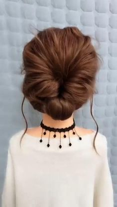 Bun Hairstyles For Long Hair, Girl Hairstyles, Braided Hairstyles, Simple Hairstyles, Hairstyles For Ladies, Simple Bun Hairstyle, Medium Long Hairstyles, Simple Homecoming Hairstyles, Grunge Hairstyles