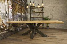 Stoere robuuste industriële tafel voorzien van matrix tafelpoot /3d kruispoot en eiken tafelblad, geheel met de handgemaakt. Dinning Table, Dining Room, Modern Table, Drafting Desk, Natural Wood, Entryway Tables, Diy, House, Furniture