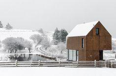 Casa Enough / MacKay-Lyons Sweetapple Architects