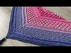 Vela Flower Shawl - free crochet shawl pattern by Wilmade Make your own crochet flower shawl with my free crochet pattern and video tutorial. This special shawl is inspired by Vela who has the same tumor as I. Shawl Patterns, Easy Crochet Patterns, Free Crochet, Stitch Patterns, Crochet Shawls And Wraps, Crochet Scarves, Single Crochet Stitch, Double Crochet, Crochet Shawl Diagram
