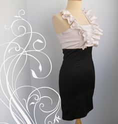 Early 90s Ruffle Halter Cocktail Party Dress Size 6 by Moonthong, $15.00