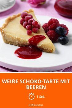 Weiße Schoko-Tarte mit Beeren - smarter - Zeit: 1 Std. | eatsmarter.de #himbeere #kuchenliebe #rezept Eat Smarter, Desserts, Muffins, Cheesecake, Snacks, Baking, Food, Devil, Pies