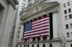 La Bolsa de New York , es el mayor mercado de valores del mundo en volumen monetario y es el número uno en la cantidad de empresas adscritas.