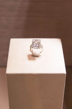 To celebrate, Cartier had us over to get an exclusive sneak peek at the exhibition, and of course, drool over the jewelry. Black Gold Jewelry, Sparkly Jewelry, Keep Jewelry, Luxury Engagement Rings, Celebrity Engagement Rings, Diamond Rings, Diamond Jewelry, Cartier Jewelry, Expensive Rings