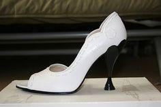 W8.5 Listen Hepburn rare wedding shoes! $225