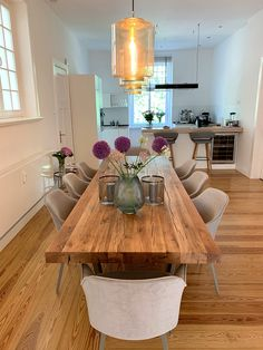 Dining tables made of old oak wood from Holwerk-Hamburg – Kitchen Kitchen Decor, Kitchen Design, Rustic Kitchen, Design Tisch, Deco Table, Dining Room Design, Home And Living, Decorating Your Home, Home Furnishings