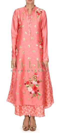 Buy this Peach straight suit adorn in resham and sequin butti only on Kalki
