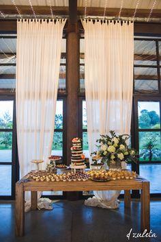 Mesa de Postres Boda / Ranch Wedding Dessert Table / Photography by: Diana Zuleta para DZuleta wedding photography / visita: www.dzuletafotografiadebodas.com