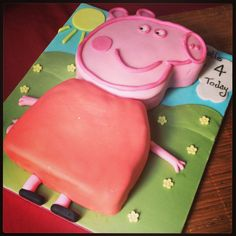 I'm an amateur cake decorator, and I harbour a not so secret desire to become professional one day. Birthday Cakes, 2nd Birthday, Birthday Ideas, Birthday Parties, Pig Ideas, Peppa Pig, Cake Designs, Cake Ideas, Event Planning