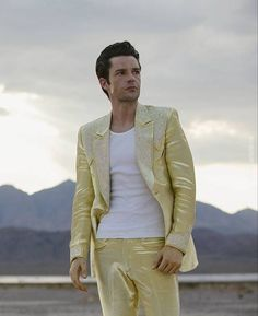 """""""It was a super fun shoot and the guys are all very cool. Photographing Brandon felt special. He has innate charisma."""" - Ester Lin Photographer . #brandonflowers #thekillers #wonderfulwonderful #theman"""