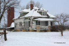old farmhouse photo by jcjoggerst