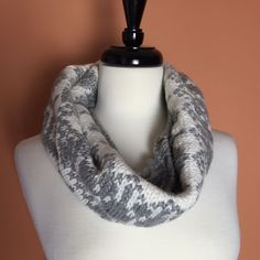 Old Navy Infinity Scarf White and Gray thick infinity scarf. 100% Acrylic Old Navy Accessories Scarves & Wraps