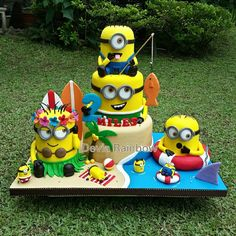 #minions#beach#fishing#surfing#shark#sunnyday#dispecableme#deviarainbow#fondant#biscuit#bolo#cake#jualankue#tortas#3dcake