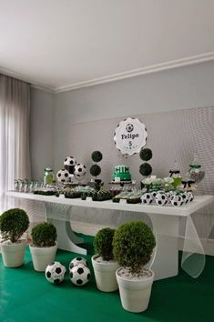Children's party with soccer theme - Decoration and Fashion Soccer Birthday Parties, Football Birthday, Sports Birthday, Soccer Party, Birthday Party Themes, Soccer Banquet, Themed Parties, Soccer Baby Showers, Boy Baby Shower Themes