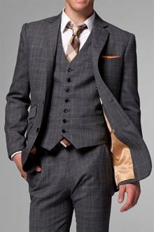 Three Piece Suit. Love the colors on the tie and the liner. Absolutely perfect combo of masculine and gentility.