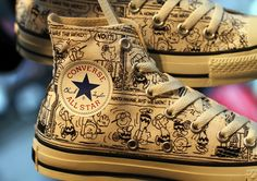 """classic comic strip Peanuts, Converse has designed an exclusive, Charlie Brown-inspired Chuck Taylor. The Converse Chuck Taylor """"Peanut Converse All Star, Mode Converse, Brown Converse, Converse Sneakers, Converse Chuck Taylor All Star, High Top Sneakers, Men Sneakers, Party Rock, Jouer Au Basket"""