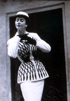 Madame Carven, tailleur 1951
