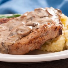 Tyler Florence's Smothered Pork Chops, Homemade Buttermilk Gravy To Die For! Mushroom Soup Pork Chops, Mushroom Gravy, Butter Mushroom, Mushroom Sauce, Creamed Mushrooms, Stuffed Mushrooms, Stuffed Peppers, Homemade Buttermilk, Pork Ham