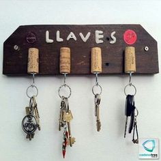 Discover recipes, home ideas, style inspiration and other ideas to try. Wine Cork Art, Wine Cork Crafts, Diy Crafts To Sell, Home Crafts, Diy Home Decor, Diy Design, Wood Projects, Woodworking Projects, Wall Clock Design
