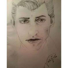navre6/2016/10/13 00:58:21/E questo è un ritratto del mio fitansato. #alexturner #arcticmonkeys #indie #love #portrait #sketch #draw #beauty #vintage #cool #singer #music #old #thelastshadowpuppets #picoftheday #time #pencil #artist #art #mbarelislanda #navredelinquente