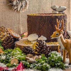 .El invierno casi se acaba, y no os he enseñado esta tarta tronco, que si, que si! Que ese tronco es una tarta! . Fue una de las tartas que hicimos estás Navidades en lugar del clásico tronco de Navidad. 🌲🌲 . .Bizcocho de naranja y crema de queso, es lo que encontrareis bajo la capa de chocolate🍫🍫. Ah! Los champiñones son de merengue vegano!! 🍄🍄 . .🇬🇧 Winter is almost over, and i haven't saw you this tree trunk cake. Yeeesss, that trunk is a cake. .It's one of the cake we made this…