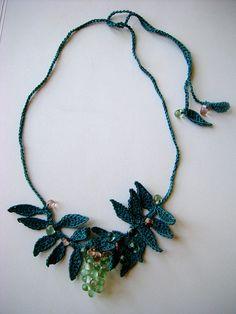 crochet necklace, crochet leaf necklace
