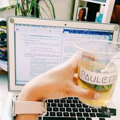Repost @elenaa_sto) Recyclage de gobelet  #teatower #paulette #tea #bringmesometea #studyday#ulg #lawclass #lolz #envraijefaisdusurplace