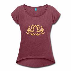 Ein Klassiker für alle Lebenslagen. Die Lotusblüte ist in Asien ein häufiges Symbol mit vielschichtigen Bedeutungen. So steht sie beispielsweise für: Reinheit, Vollkommenheit. Kostbarkeit usw. Yoga Pilates, V Neck, Tattoos, Tops, Funny, Yoga Exercises, Funny T Shirts, Women's T Shirts, Asia