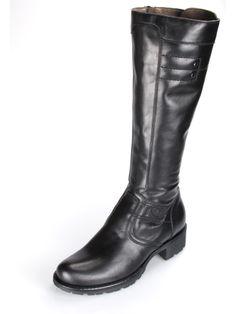 Stivali in pelle nera. Perfette per un outfit casual ultra comfort.