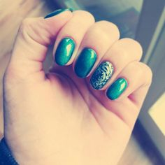 #green #my #nails #silver