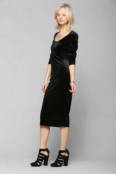 Urban outfitters Glamorous Long Sleeve Velvet Midi Dress in Black
