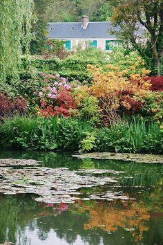 Giverny, le petit coin de paradis de Claude Monet, visité il y a des années.... Bien envie d'y retourner <3
