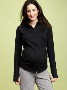 Stay fit & look cute when working out during #pregnancy! #maternity #style