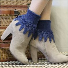 SIGNATURE lace socks -  navy blue - lace sock, perfect for heels, great with boots, Made in USA ankle socks for flats. LOVE IT <3 PIN FOR LATER!