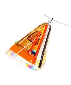 Handgemaakte oranje hanger van prachtig dichroide glas!