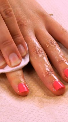 7 tips for fingernails & nail polish Detailed article under the link! # manicure # beautiful nails 7 tips for fingernails & nail polish Detailed article under the link! Nail Polish Designs, Nail Polish Colors, Nail Art Designs, Clean Nails, Fun Nails, Nice Nails, French Nails, Nagellack Design, Nail Polish Storage
