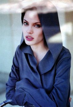 Angelina Jolie - young, wild and free. For everyone who loves the Angie! Angelina Jolie Fotos, Angelina Jolie Young, Dark Autumn, Morgana Le Fay, Jolie Pitt, Star Wars, Tumblr Girls, Celebrity Hairstyles, Brad Pitt