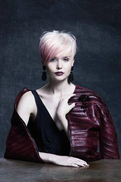 Hair Campaign Wella again in partnership with collection of MAURO GASPERI, here catalogue and collection! Quiff Hairstyles, Hairstyles Over 50, Short Hairstyles For Women, Cute Hairstyles, Love Your Hair, Great Hair, Short Hair Cuts, Short Hair Styles, Anna Hair