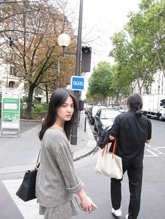 song hye kyo with checked dress💖 Korean Actresses, Korean Actors, Actors & Actresses, Korean Beauty, Asian Beauty, Korean Celebrities, Celebs, Female Celebrities, Song Hye Kyo Style